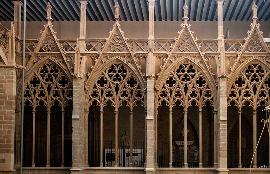 Tracerías del Claustro de la Catedral de Pamplona.